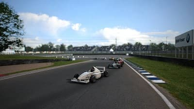 Live for Speed 0.6M 32 players race